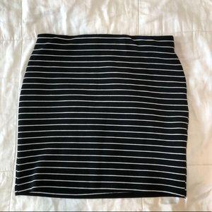 black and white mini pencil skirt